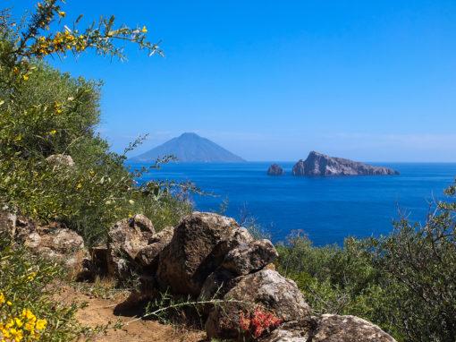 APRILE/MAGGIO 2020: EOLIE E SICILIA, LE ISOLE DEI VULCANI